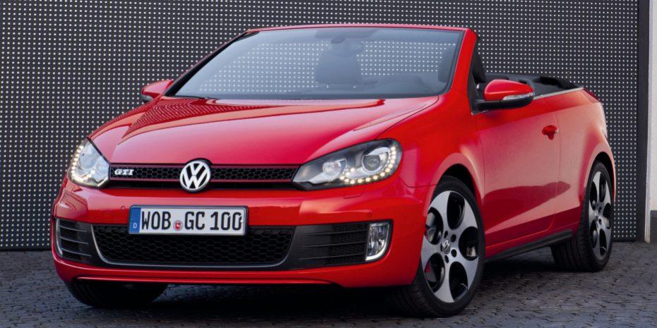 """La nueva gama del Volkswagen Golf Cabrio dice adiós a la versión """"R"""": Sí llega el nuevo GTI con el 2.0 TSI de 220 CV"""