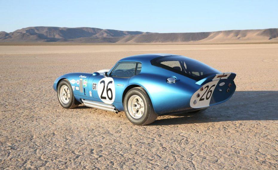Shelby Daytona Cobra Coupe 50th Anniversary: Un icono de medio siglo hecho de forma limitada en la actualidad