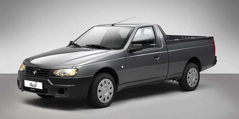 Ojo al Iran Khodro Arisum: Un Peugeot 405 con carrocería pick up e interior modernizado