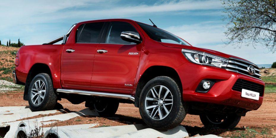 Peugeot y Citroën tendrán un pick up basado en el Toyota Hilux: Se venderá en Europa