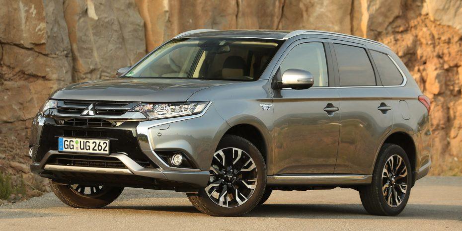 Primera imagen del Mitsubishi Outlander PHEV: Estética renovada y menores consumos