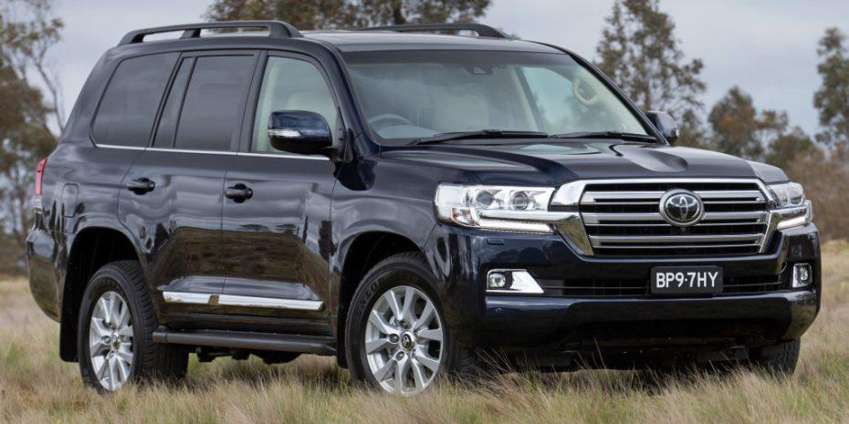 El Toyota Land Cruiser 200 estrena cara: Más empaque para el todoterreno de lujo