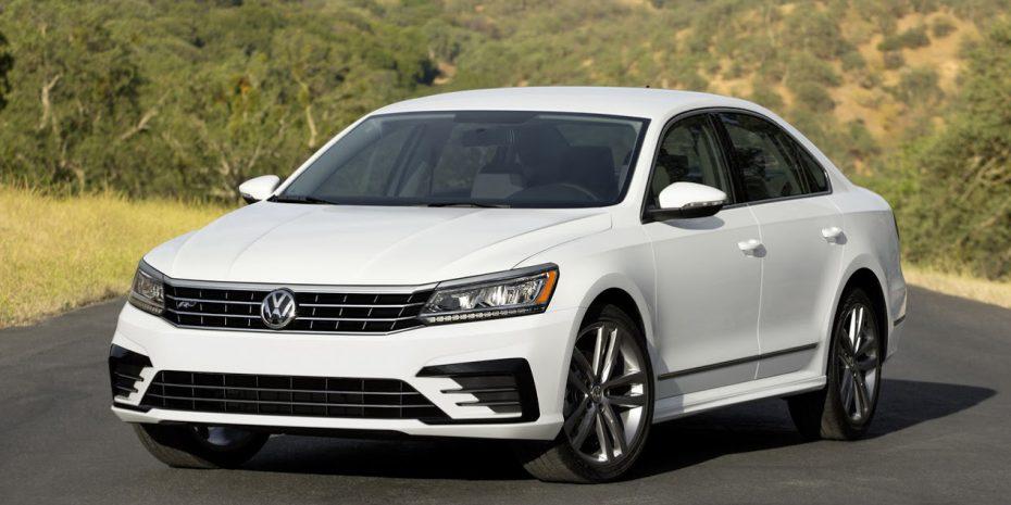 Así es el renovado Volkswagen Passat estadounidense: Debuta en momentos muy complicados