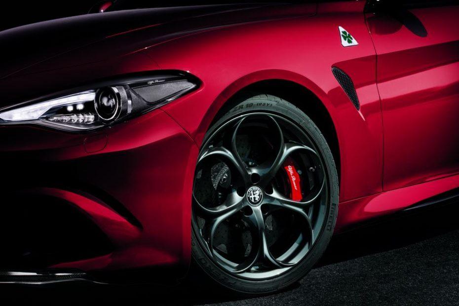 Este es el equipamiento que Alfa Romeo ofrece por 103.000 euros en el Giulia Quadrifoglio