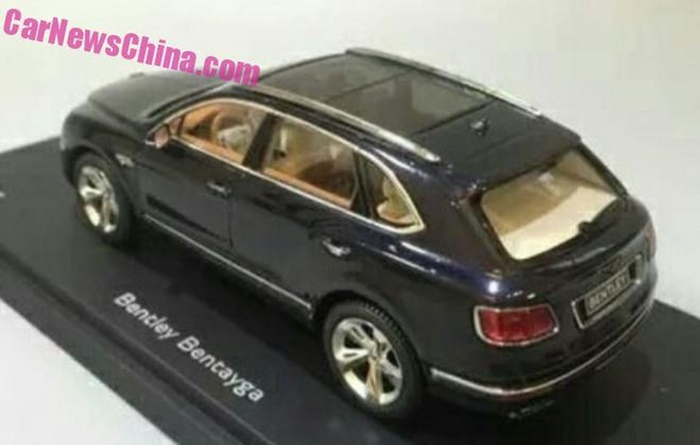 Bentley Bentayga miniatura (2)