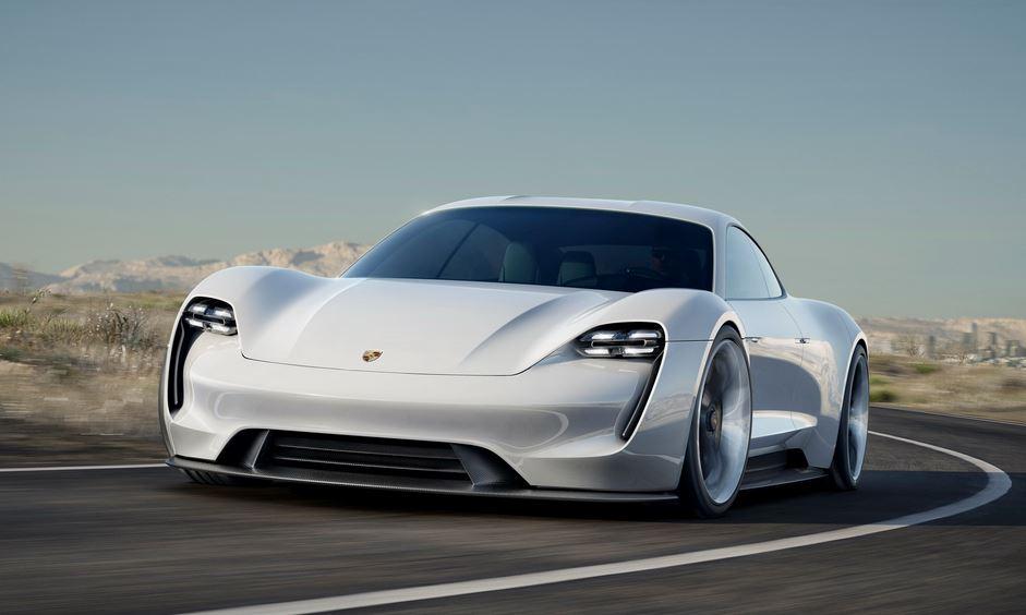 ¡Más detalles del Porsche Mission E! Hasta 500 kilómetros de autonomía y conducción autónoma por menos de 100.000 euros