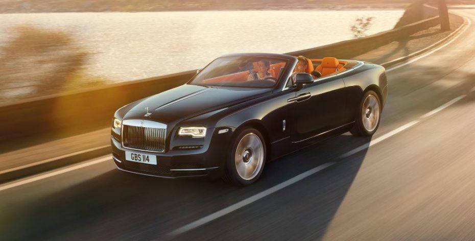 """Rolls-Royce Dawn: En palabras de la marca, """"así debería de ser un descapotable de superlujo"""""""