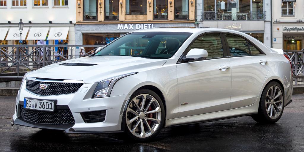 Cadillac introduce los ATS-V en Europa: 470 CV y 304 km/h para la berlina media