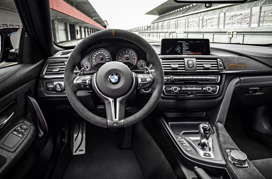 BMW M4 GTS 30