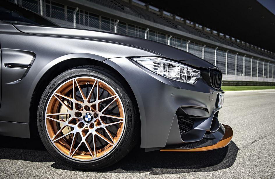 BMW M4 GTS 44