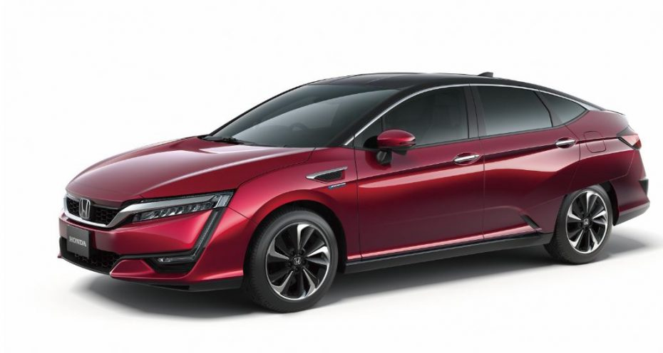 Honda presenta su FCV: 700 km de autonomía, un repostaje de 3 minutos y un sistema del tamaño de un motor de 6 cilindros…