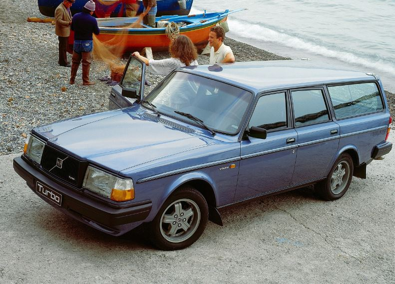 Volvo 240 Turbo  6