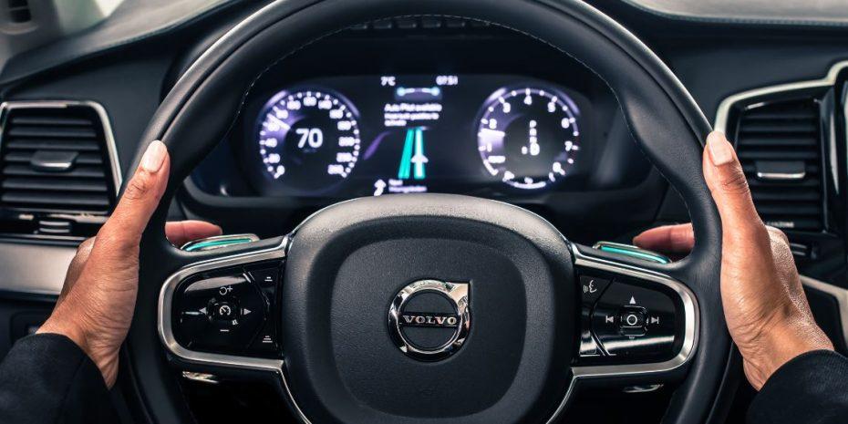 Así es el piloto automático IntelliSafe de Volvo: Unas levas que nunca habías visto…