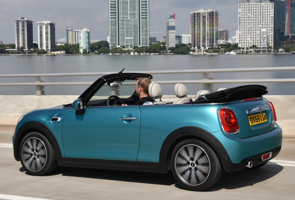 el nuevo mini cabrio ya tiene precio en alemania desde para el cooper. Black Bedroom Furniture Sets. Home Design Ideas