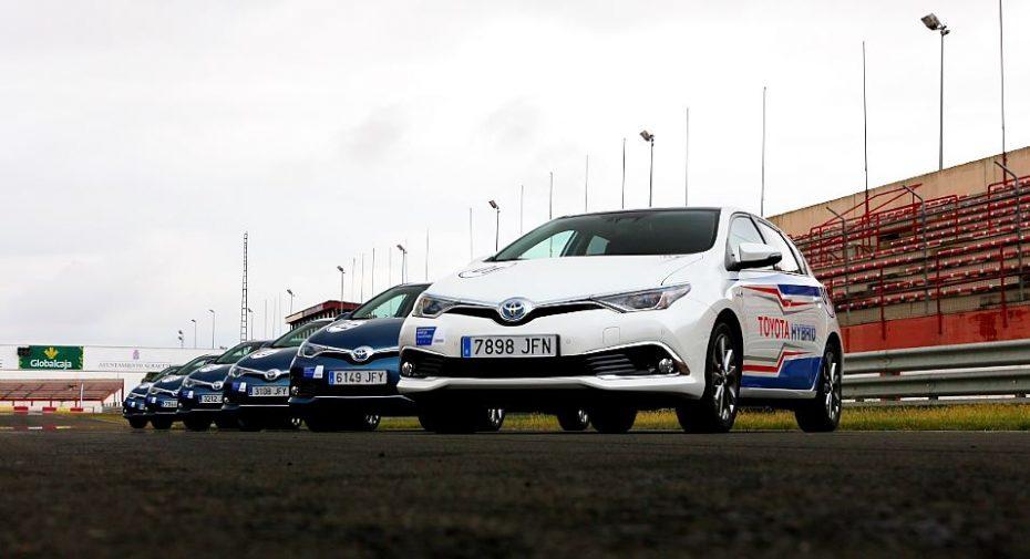 1792 km, 505 vueltas y 125 litros de combustible: Así fueron las 24 Horas Híbridas Toyota 2015