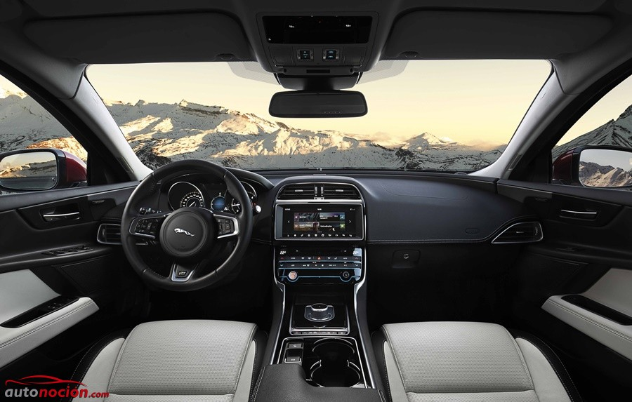 Jaguar XE AWD (4)