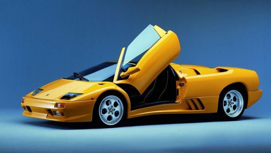 El Diablo cumple 25 añitos: Un Lamborghini que nació en una época de cambios
