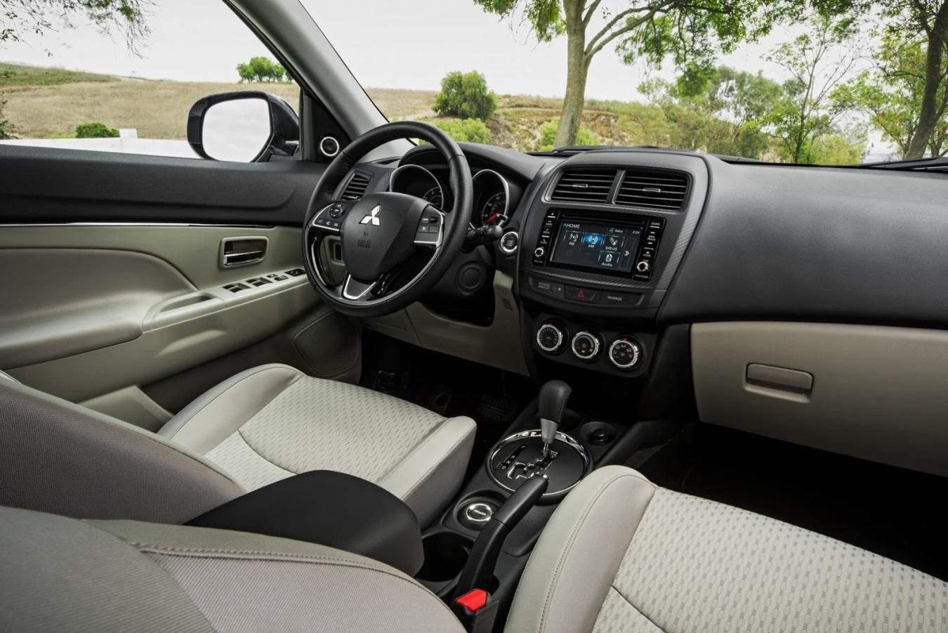 Mitsubishi-outlander-sport-interior12