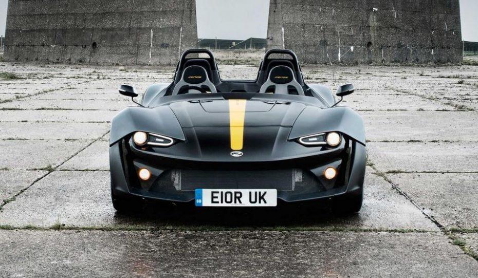 Zenos E10 R: Un juguete con corazón de Focus RS y 700 kg que quita el aliento