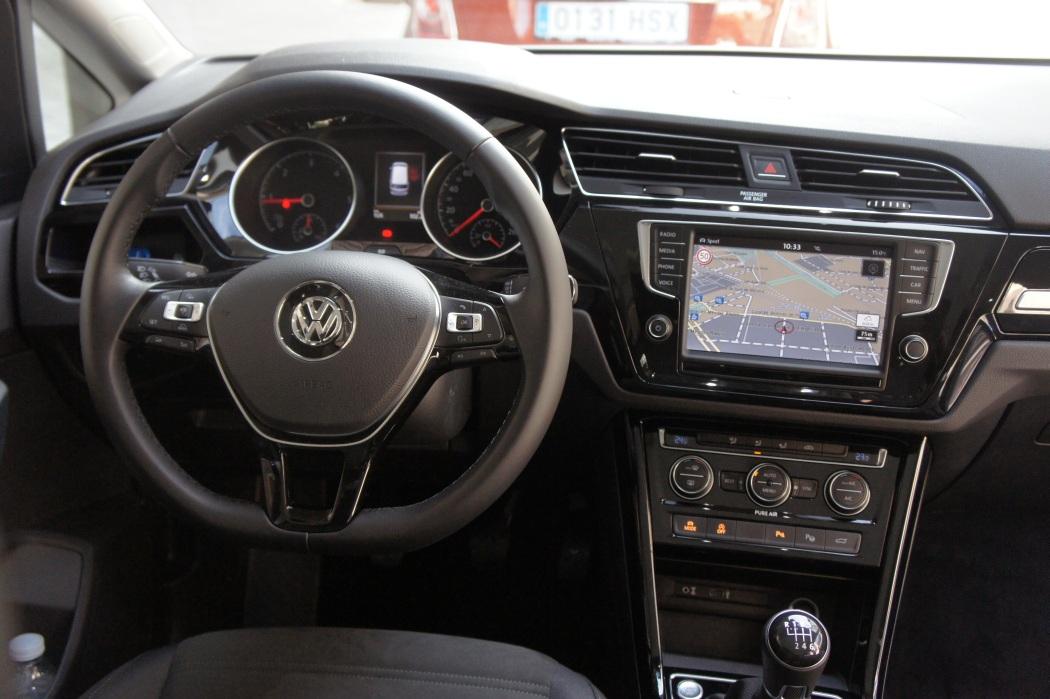 contacto-volkswagen-touran43
