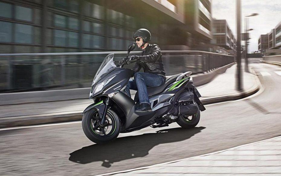 El Kawasaki J125 ya está a la venta: Arranca en los 3.799 € con promoción