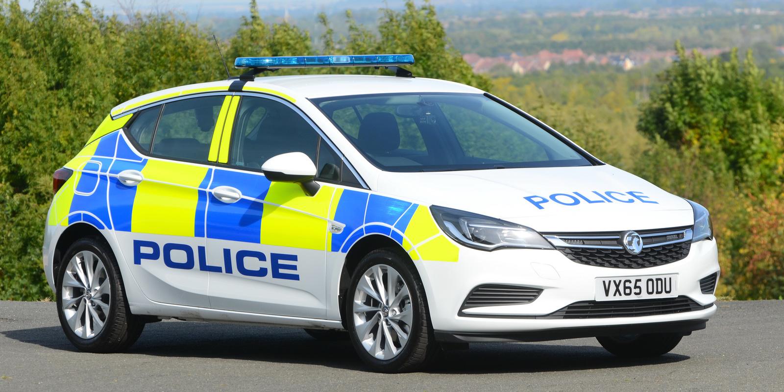 La policía británica renueva su flota con más de 2.000 Vauxhall: El nuevo Astra es la estrella