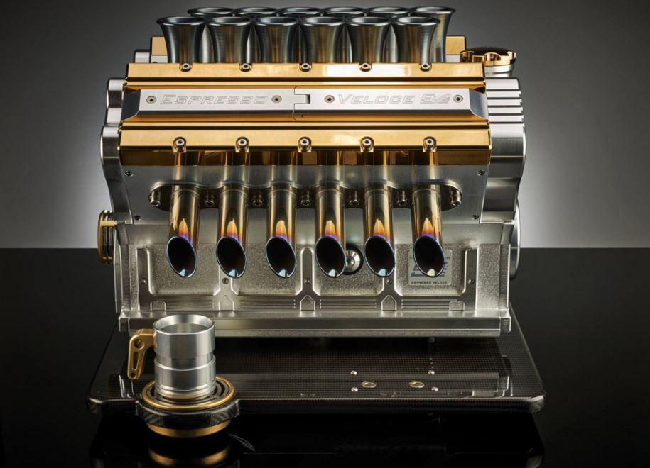 ¿Una cafetera de 30.000 euros inspirada en los míticos V12 de la F1 de los 90?, ¡Vaya pasada!