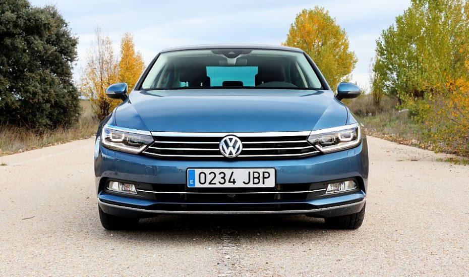 Volkswagen cierra el 2015 liderando el mercado Español: SEAT, Renault, Opel y Peugeot casi en empate