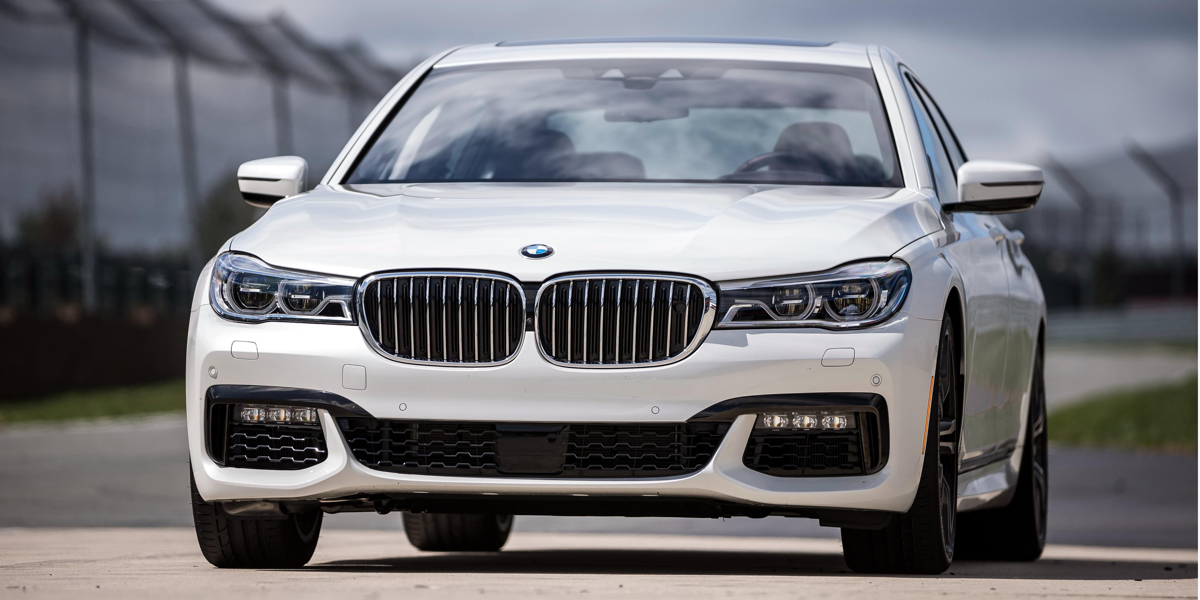 El BMW Serie 7 estrena un motor dos litros con cuatro cilindros: Por suerte no llegará Europa