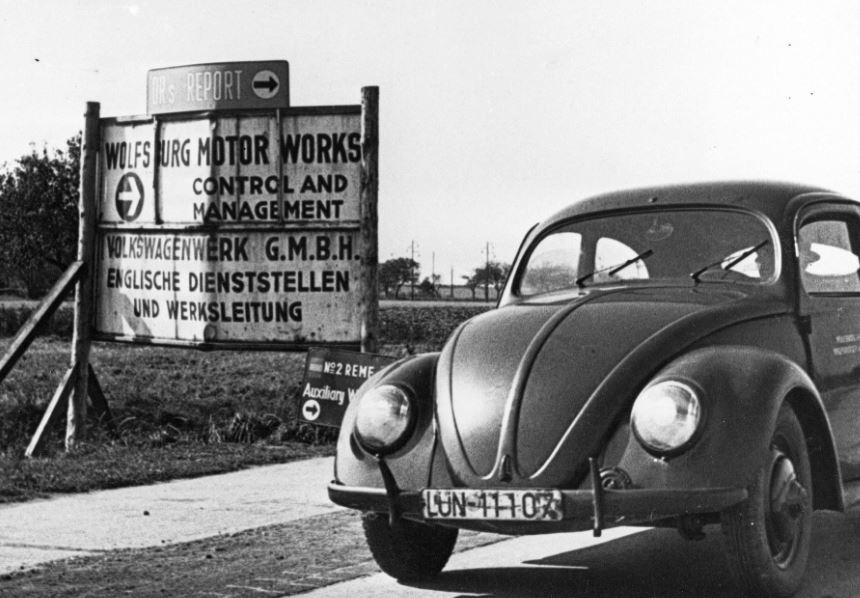 El primer Volkswagen Beetle salió de Wolfsburg hace 70 años: La producción en masa del icono