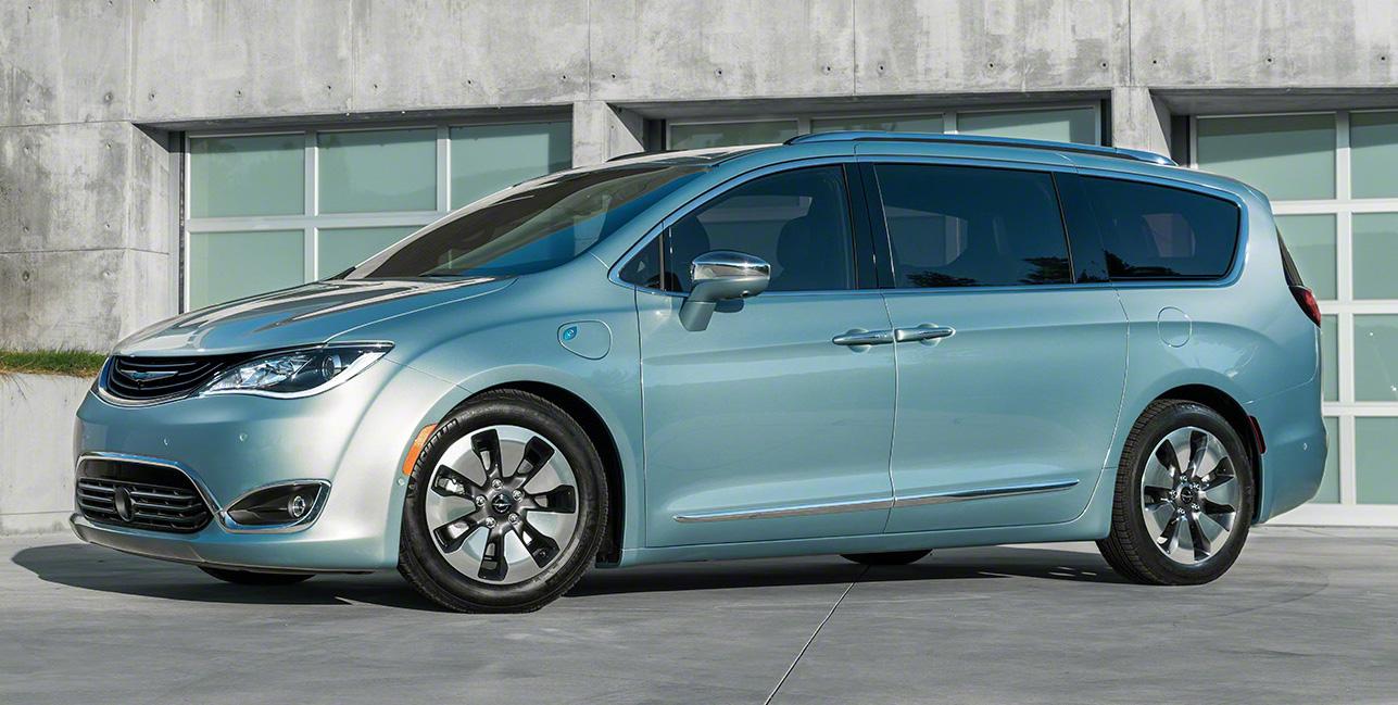 Así es el nuevo Chrysler Pacifica: Adiós al exagerado Town&Country