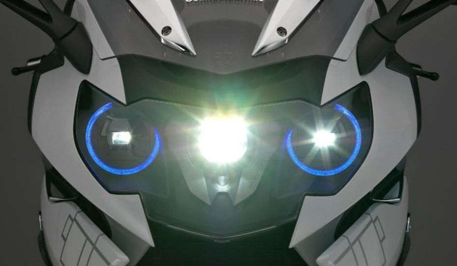¿La primera moto con luz láser?: Sí, pero por el momento vale más la iluminación que la moto…