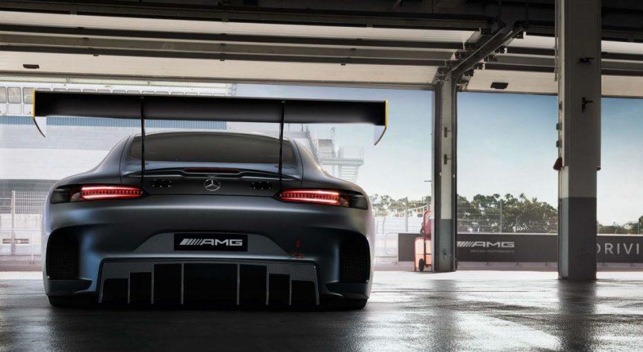 Una nueva imagen del salvaje Mercedes-AMG GT3 nos anuncia su inminente llegada