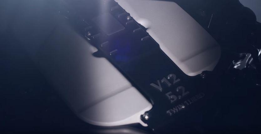 Bye, bye V12 de AMG: Aston Martin nos muestra ligeramente su nuevo motor V12 twin-turbo de 5.2 litros