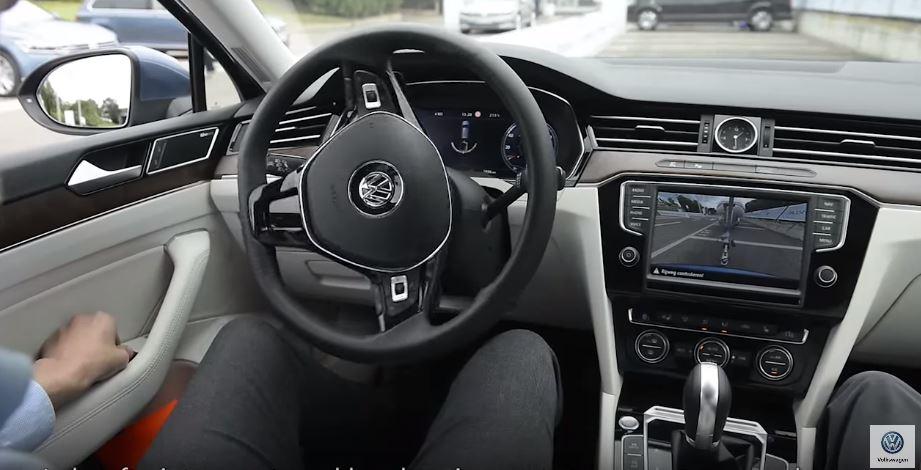 Este es el divertido anuncio que Volkswagen Noruega ha creado para promocionar el Trailer Assist
