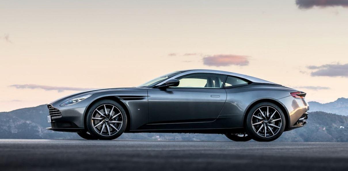 Aston Martin DB11 33