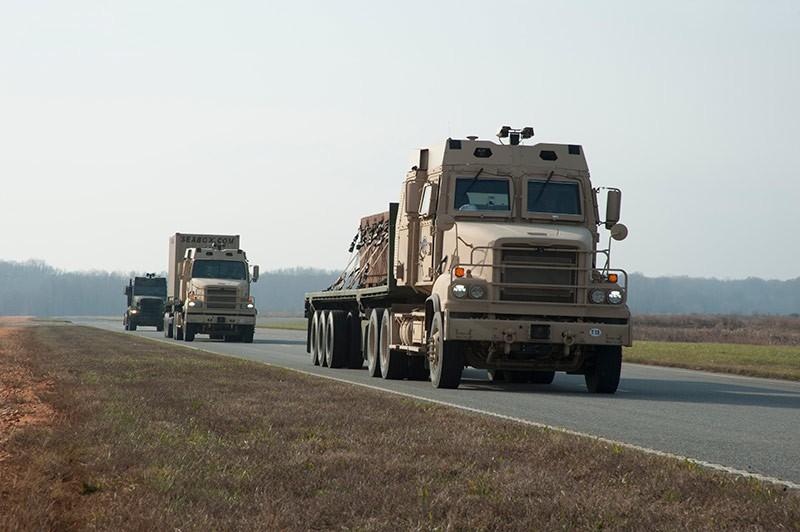 Los camiones del Ejército de Estados Unidos se suman a la conducción autónoma