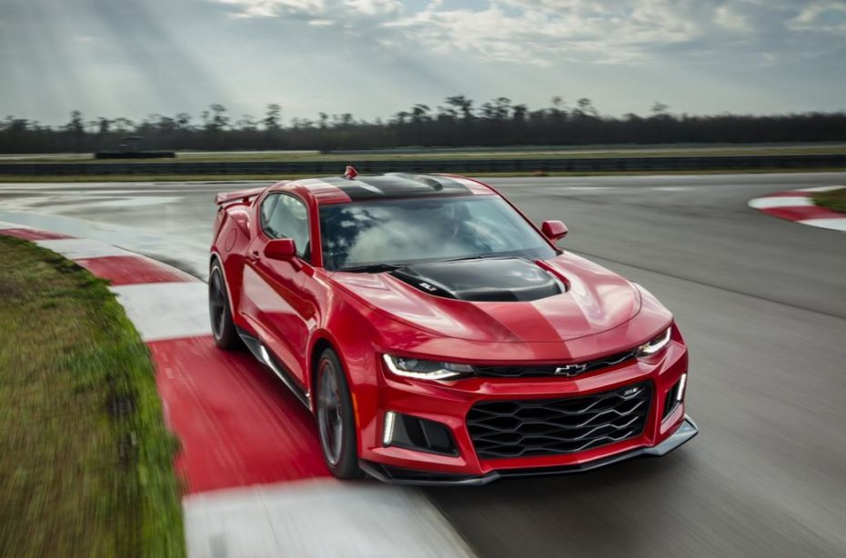 Chevrolet Camaro ZL1 2017: Musculoso, radical y con el poderoso V8 del Corvette en sus entrañas