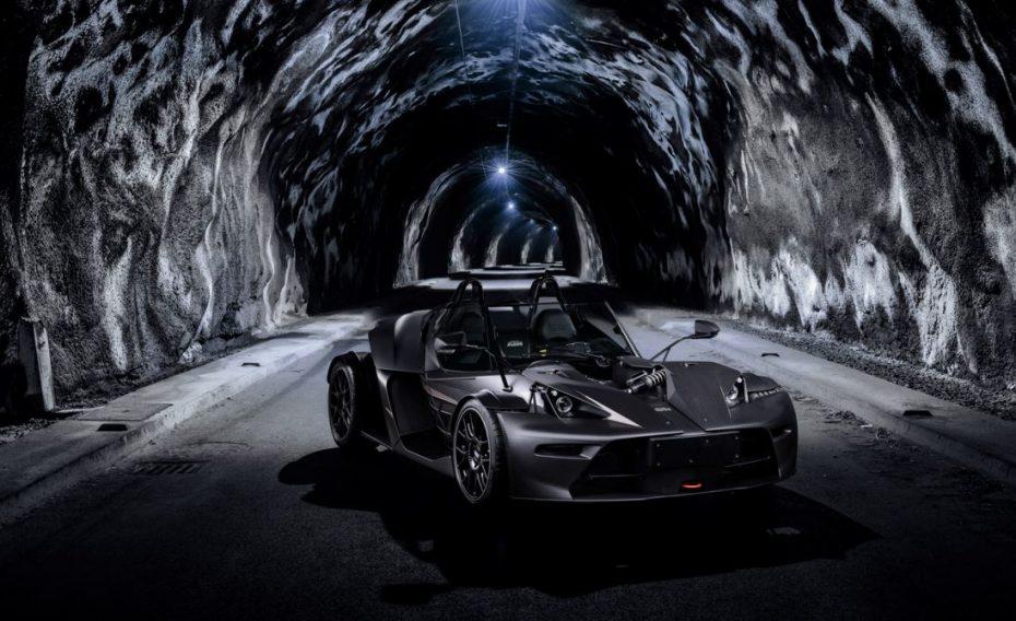 KTM X-Bow GT Black Edition: Un exclusivo y radical caballero oscuro con más de 300 CV en sus entrañas