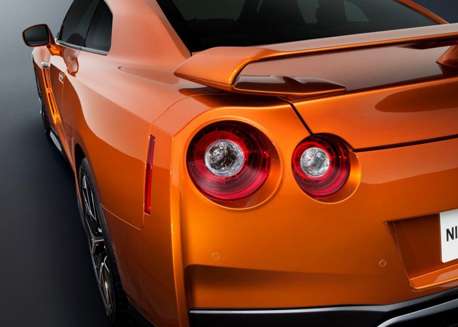 Nissan GTR 2017 9