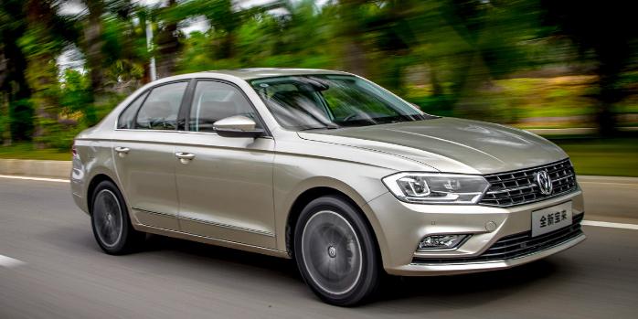 FAW-VW lanza el New Bora 2016: Otra vuelta de tuerca para el veterano modelo
