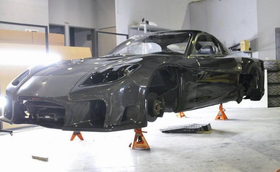 ¿Te acuerdas del Mazda RX-7 naranja de Fast and Furious Tokio Drift?: Pues ahora lo tienes en fibra de carbono