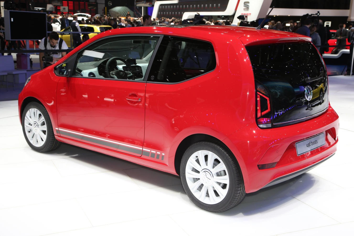 volkswagen-up-vvo6