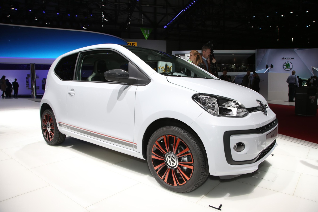 volkswagen-up-vvo9