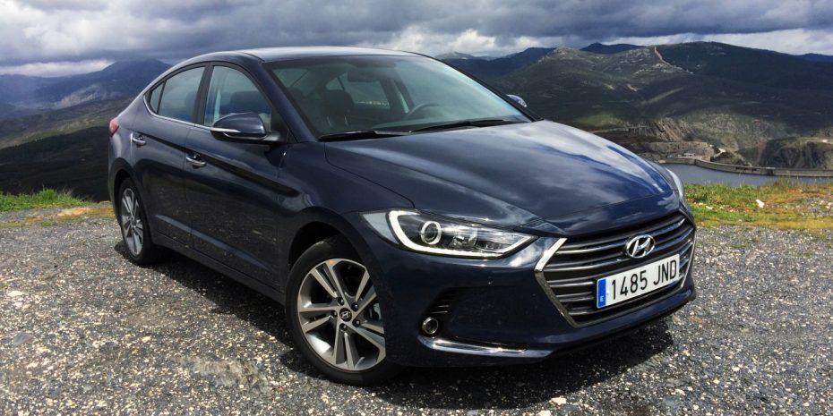 Contacto Hyundai Elantra 1.6 CRDI 136 CV: Equilibrado hasta en el precio