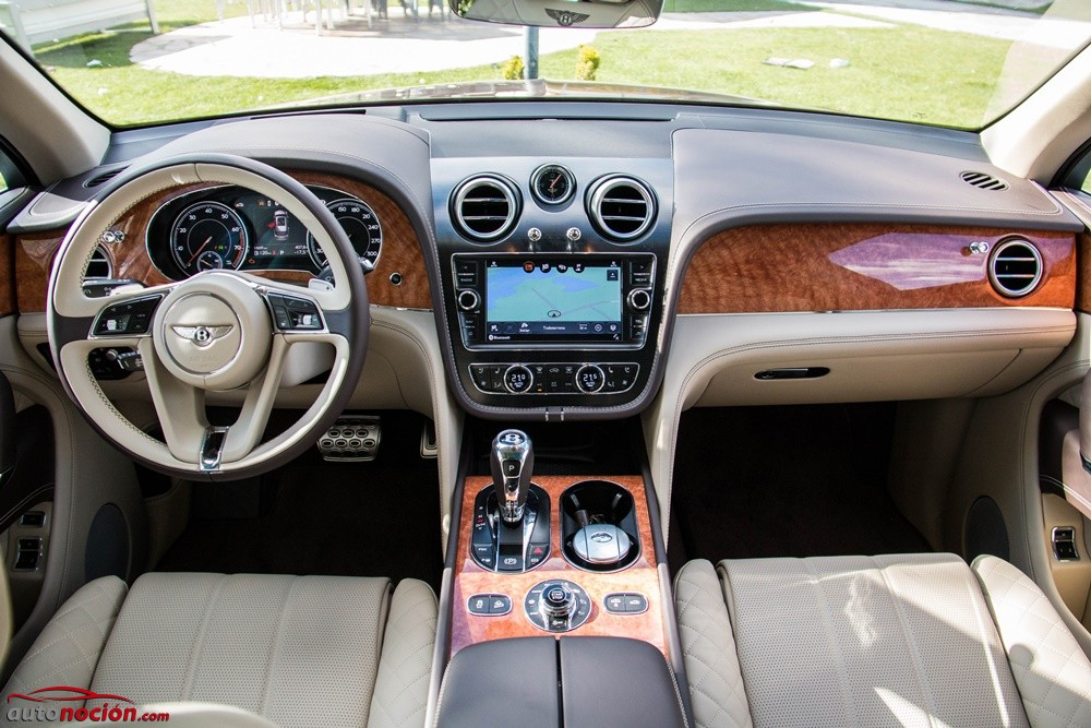 Bentley Bentayga (43)