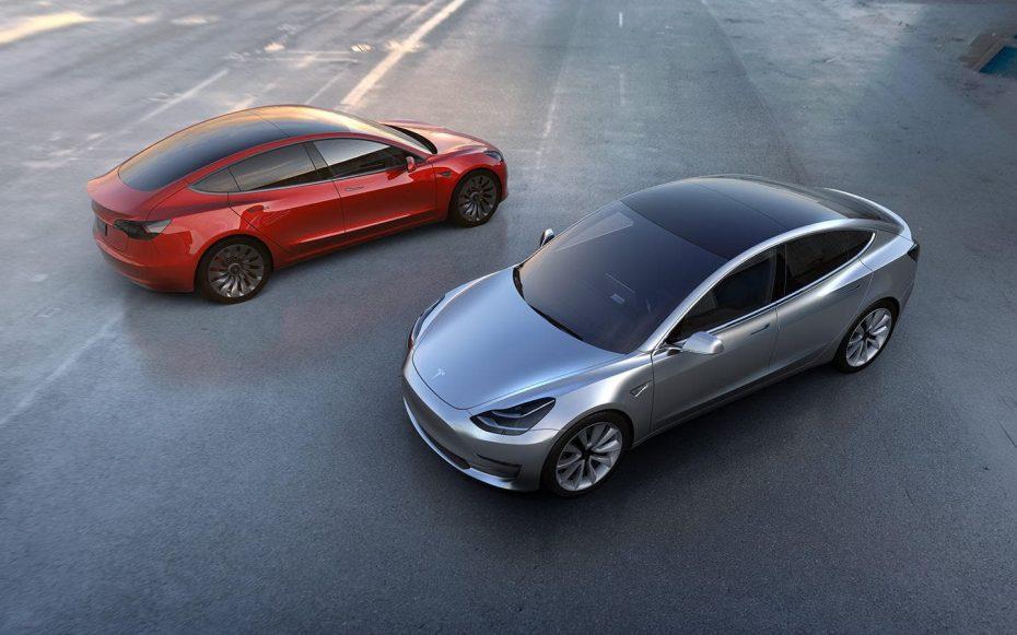 El Tesla Model 3 finalmente llega a producción: 30 afortunados tendrán su sedán eléctrico este mes