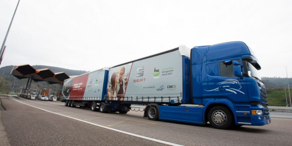 25,25 metros de longitud y 60 toneladas de peso: Así es el primer megacamión que rueda por España