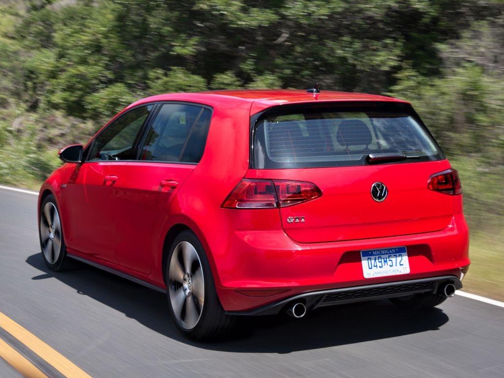 volkswagen_golf_gti_5-door_us-spec_7