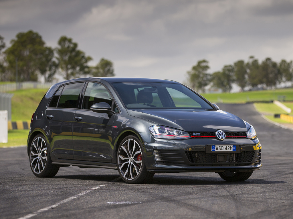 volkswagen_golf_gti_performance_5-door_au-spec_17